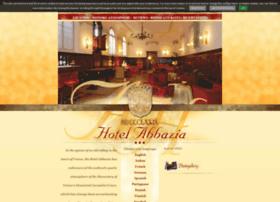 abbaziahotel.com
