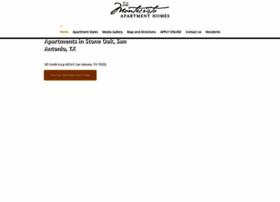 apartmentsstoneoaktx.com