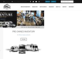 colonialrv.com
