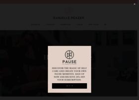daniellepeazer.com