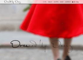 dressedupdeniz.com