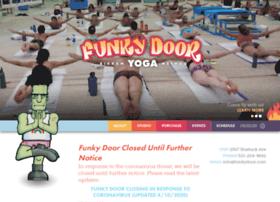funkydooryoga.com
