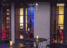 hotelpetitparis.com