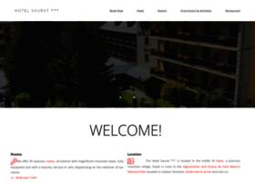 hotelsaurat.com