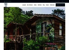 kadirstreehouses.com