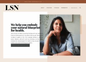 livesimplynatural.com