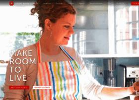 livingroomre.com