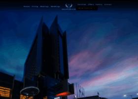 merlynnparkhotel.com