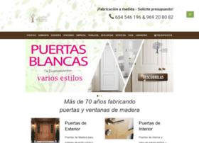 puertasdelamarina.com
