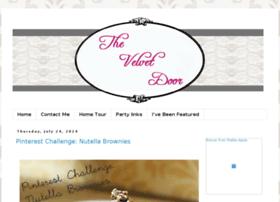 thevelvetdoorblog.blogspot.com