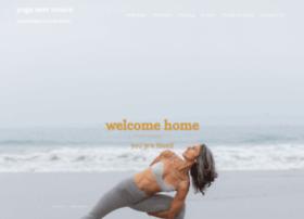 yoganestvenice.com