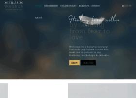 yogatherapymallorca.com